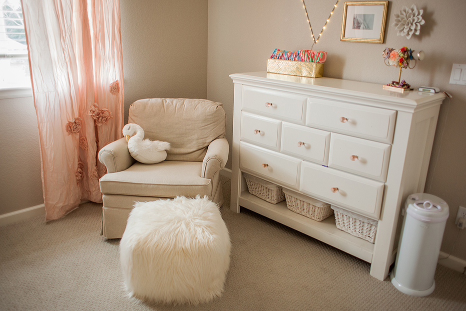 Blush-Gold-Floral-Room